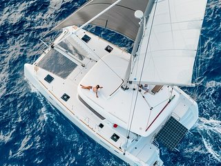 Live the Dream - S/V Take It Easy 2014 Premium Lagoon Catamaran Resort Amenities