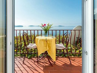Guest House Fontana - One Bedroom Apartment with Balcony and Sea View