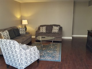 1 min. to Melrose Avenue, Fully Renovated