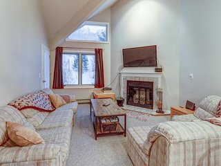 NEW LISTING! Ski-in/ski-out condo w/mountain view & shared pool/sauna/gym