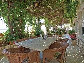 2 bedroom Apartment in Hvar, Splitsko-Dalmatinska Zupanija, Croatia : ref 564764