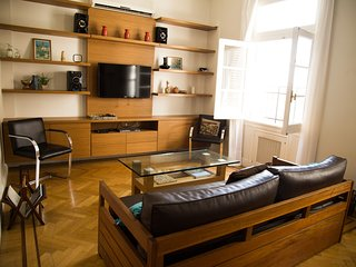 Luxurious Recoleta Apartment for 4