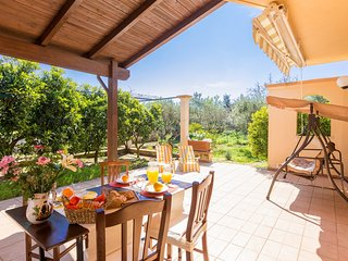 Spacious villa close to the center of San Vito dei Normanni with Parking, Intern