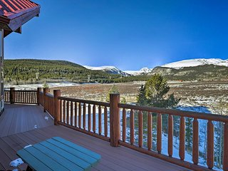 Breckenridge Area Creekside Cabin w/Moose+Mtn View