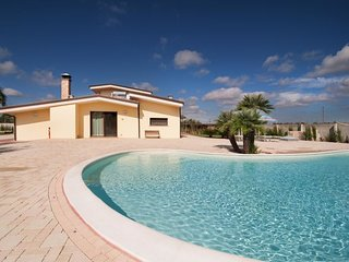 4 bedroom Villa in , Apulia, Italy - 5696656