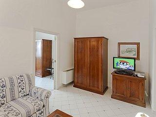 Sorrento Villa Sleeps 2 with Air Con and WiFi - 5228613