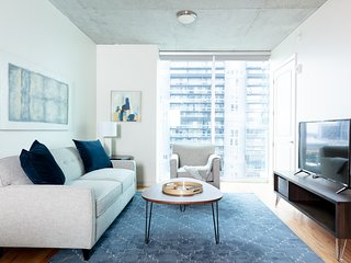 Serene 1BR | Rooftop Pool | Downtown Houston