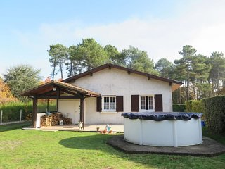 2 bedroom Villa in Mezos, Nouvelle-Aquitaine, France : ref 5650439