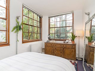 Secret garden cottage in heart of central London