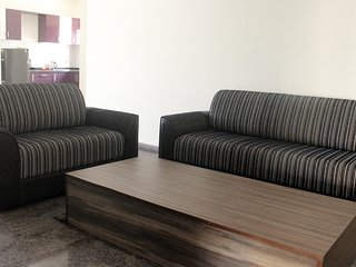 TRANQUIL SERVICED APARTMENTS - Elegant 1 BHK near Electronic City with Wifi
