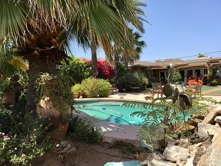 Stay at Ellen's Resort a desert oasis