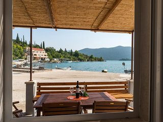 Holiday Home Anima Maris- Duplex Two Bedroom Holiday Home with Terrace and Sea