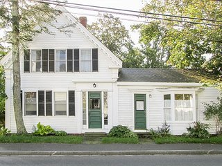 Newly Remodeled Historic Home – Walk to Downtown & Wellfleet Harbor