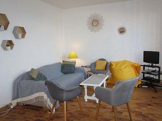 2 bedroom Apartment in Les Lecques, France - 5700009