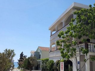 Cozy apartment close to the center of Vir with Parking, Internet, Air conditioni
