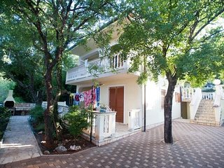 Cozy apartment in the center of Povile with Parking, Internet, Air conditioning,