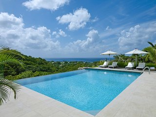 4 BR Villa+Private Pool, Lower Carlton