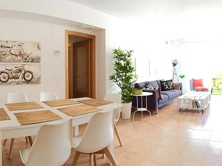 Spacious apartment very close to the centre of Roquetas de Mar with Lift, Parkin