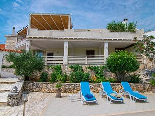 Sea view villa with pool, Brac island
