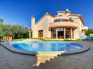 4 bedroom Villa in Medulin, Istarska Zupanija, Croatia - 5061512