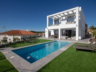 4 bed villa, El Faro, near Fuengirola, Mijas Costa