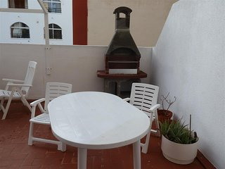 Spacious apartment very close to the centre of Torrevieja with Lift, Internet, W