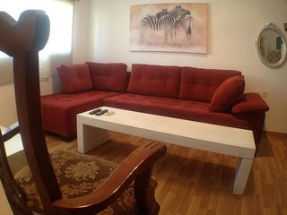 Cozy apartment very close to the centre of Bat Yam with Lift, Internet, Washing