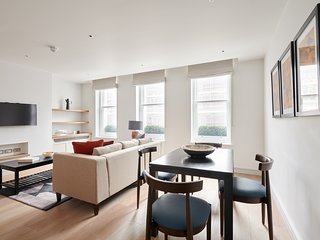 Sonder | Covent Garden Piazza | Chic 1BR + Laundry