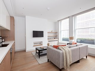 Sonder | Covent Garden Piazza | Bright 1BR