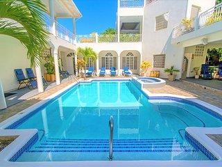 Chef, Butler, Beach, Pool, Spa, Billiards, Rooftop Movies, Tennis, Family Fun!