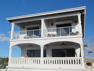 beautifull luxe duplex 300m from the beach,sun set view from the terrase