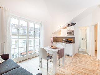 Moderne Dachgeschosswohnung im Herzen Bad Aiblings