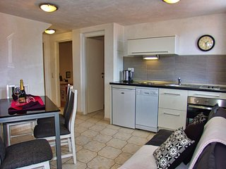 Spacious apartment in the center of Makarska with Internet, Washing machine, Air