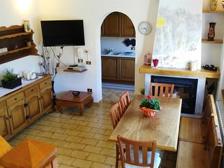 Spacious apartment in the center of Lezzeno with Parking, Internet, Washing mach