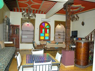 Spacious apartment very close to the centre of Marrakesh with Internet, Washing