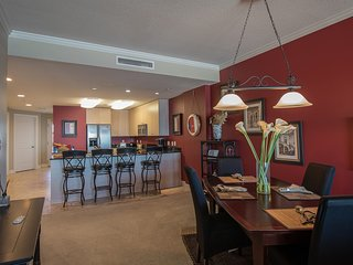 Gorgeous Views 2 BR Suite w/ WiFi, Balcony, Pool & Fitness Center Access