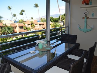 Paradise! Ocean views & Amazing Location Across from Beach! Kamaole Beach Royale