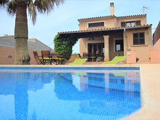 Carlendar 2021 Opened- CARLES. House in  VILLAFRANCA. Air conditioner. Pool. Cle