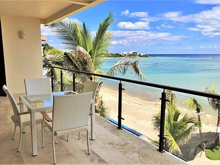 Gorgeous Brand New Beachfront condo in Akumal