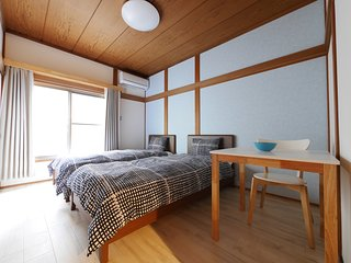 R4 Japanese style private room for 2 traveler