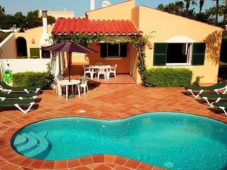 Villa Linardo 1 | Villa con piscina, barbacoa y muy cerca de la playa a 200m!!