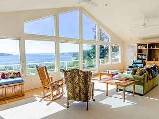 Sound Views from Camano Island Home - Huge Highbank Property with Gazebo