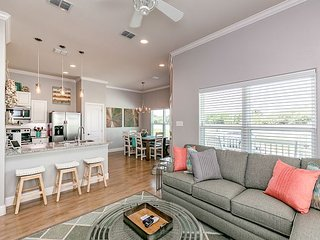 Fall Savings! 3BR, 2BA Chic All-New Beach House in Rockport w/ Pool