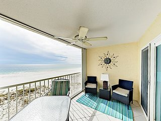 Fall Savings! Get Wet at 2BR Gulf-Front Condo – Pool & Central Location