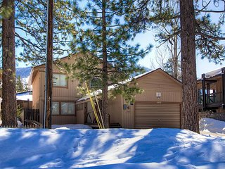 Pet-Friendly Home w/ Hot Tub & Just Blocks to the Breach & Heavenly Ski Gondola