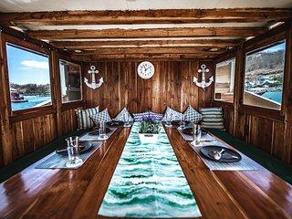 LaLunia Komodo Private Phinisi Boat