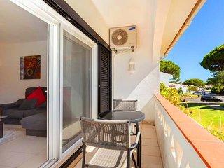 2 bedroom Apartment in Vale do Lobo, Faro, Portugal : ref 5693108