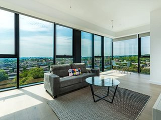 Trendy Apartment with Amazing Views (HH4)