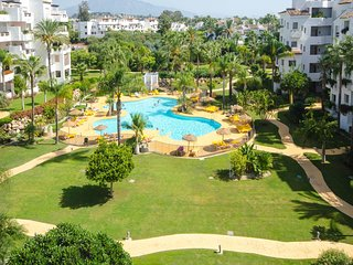 APARTMENT BORJA - Swimming pool next to the beach