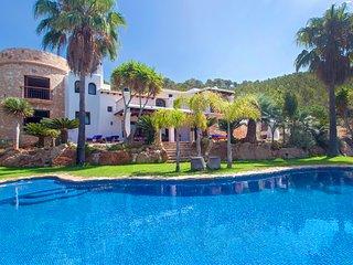 Splendid 4 bedroom villa Palmeras set in the hills of Santa Eulalia